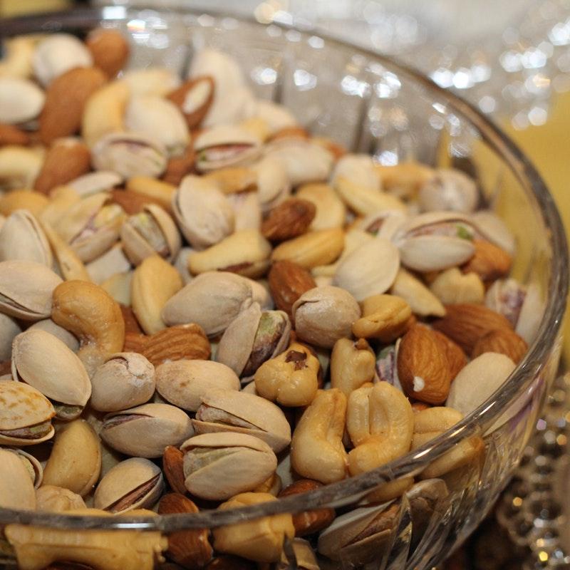 almonds-pistachios-cashews-dried-nuts-86649