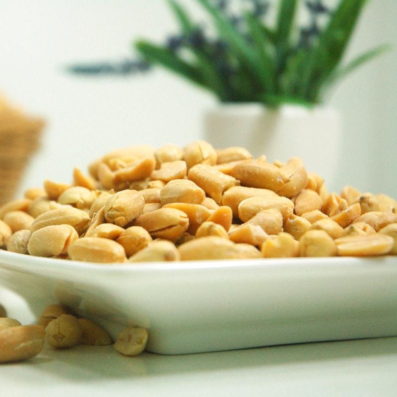 food-plate-nuts-peanuts-39345