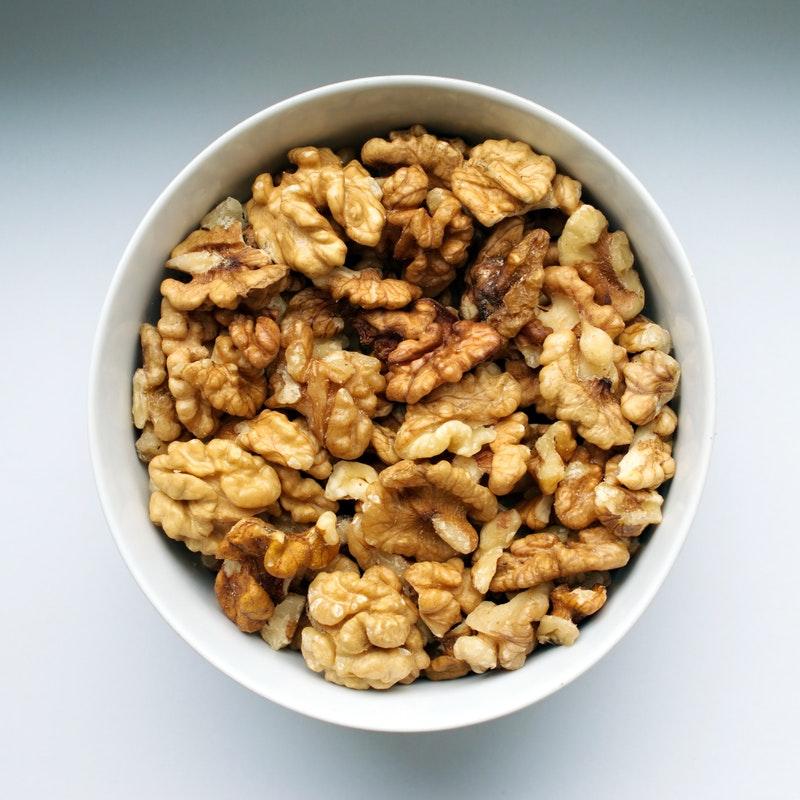 walnuts-in-a-bowl-1823476